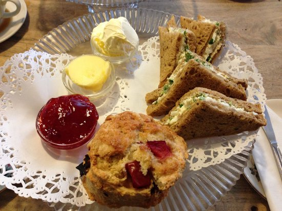 Steyning Tea Rooms:                   Egg cress sarnies with a huge plum scone