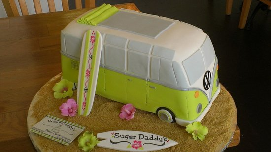 La De Da Bake Shop: Custom Cakes