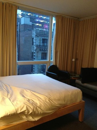 The Premier New York Times Square:                   Queen room in Premium Hotel (my back was against the wall when taking the phot