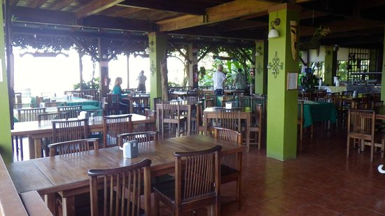 Turrialtico Lodge:                                     Dining area