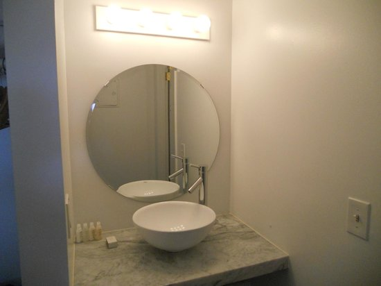 Sole East Beach:                   Sink outside bathroom so you can put on make up while your friend showers!