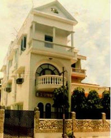 Duhita Guest House: Street view