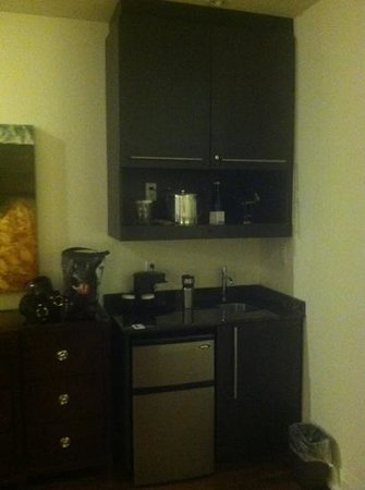 Sterling Inn & Spa: kitchenette in traditional room/suite