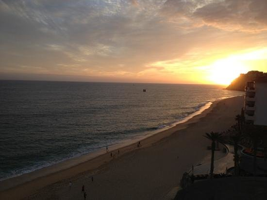 Grand Solmar Land's End Resort & Spa:                   Sunset over Pedregal