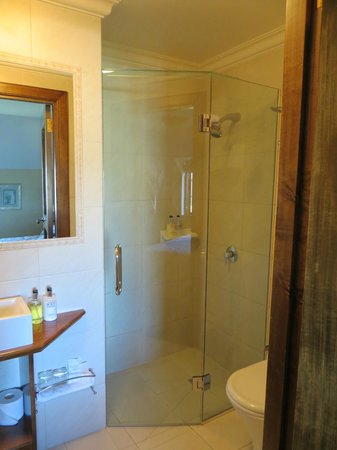 Grand Mercure Nelson Monaco Apartments:                                     Bathroom 2