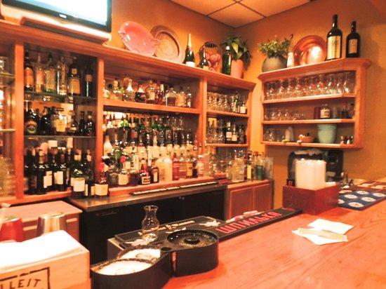 Louisiana Lagniappe Restaurant: Bar