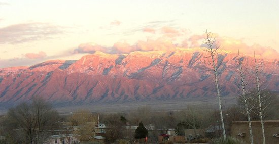 Chocolate Turtle Bed and Breakfast: The views of the Sandia Mountains from our portal is always changing