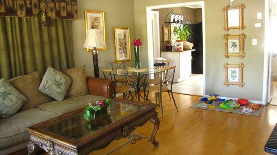 Ed Lugo Resort:                   Salle familiale villa 2406