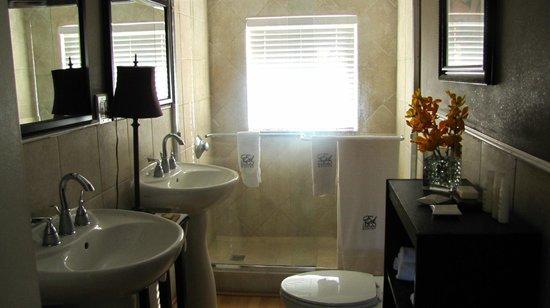Ed Lugo Resort:                   Salle de bain villa 2406