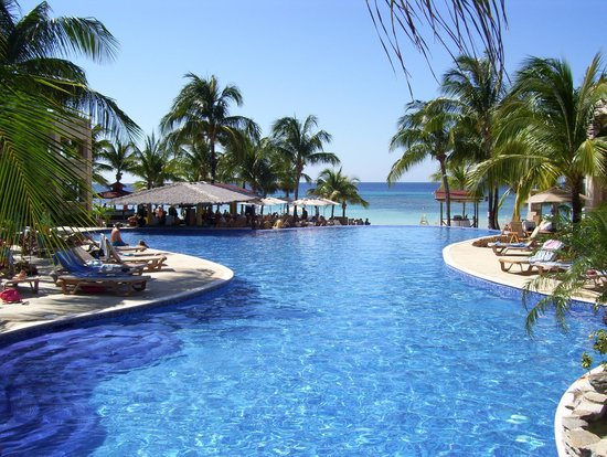 Infinity Bay Spa and Beach Resort: Piscine