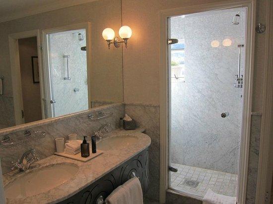 Cape Grace :                   Shower