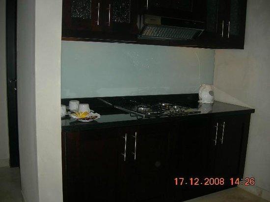 Park Hotel Nusa Dua:                   Kitchen area