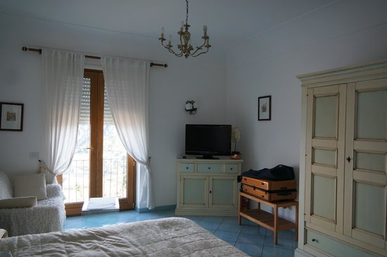 Aiano Bed and Breakfast:                   our room, the Venus Suite