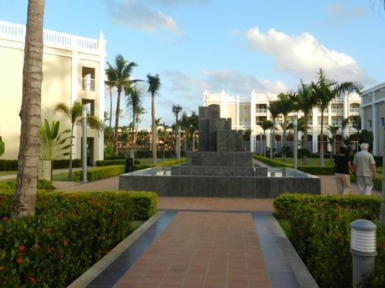 Hotel Riu Palace Bavaro:                   fontaine
