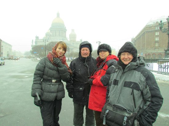 Tzar Travel - Natalya German-Tsarkova: Natalya (left) leads us even in a snow storm