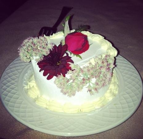 Goldmoor Dining:                   Our little anniversary cake