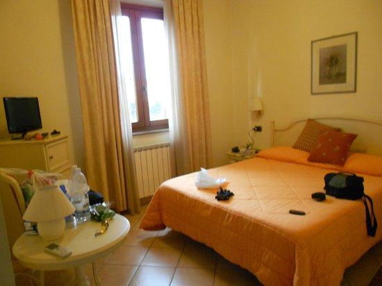 Albergo Ristorante Le Mura :                   Comfortable Room