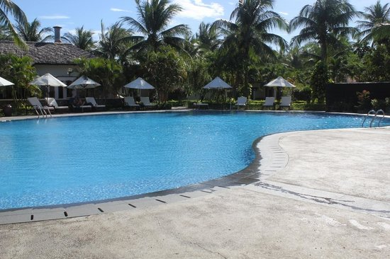 Blue Ocean Resort:                   The Pool Area