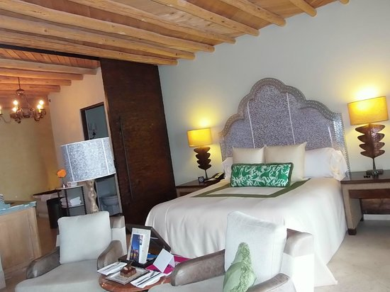 The Resort at Pedregal:                   beautiful room