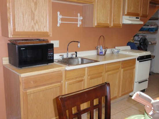 Log House RV Park & Campground: Suite kitchen: stove, coffee, microwave, refrigerator