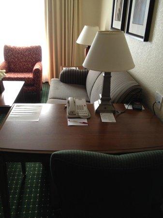 Residence Inn Daytona Beach Speedway/Airport:                   Computer Desk