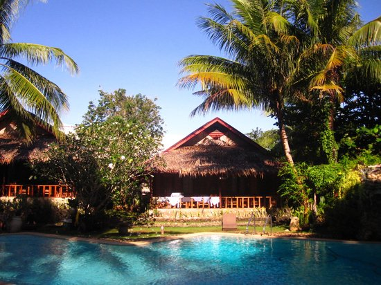 Oasis Resort: Poolside bungalow