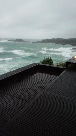 Resort Hotel & Spa Blue Mermaid :                   到着時は大荒れ、部屋デッキからの眺め