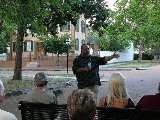 Springfield Walks:                   Tour guide Garret Moffett tells a story near Lincoln's House