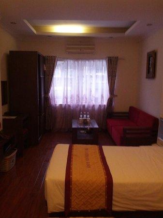 The Landmark Hanoi Hotel:                   Sitting area