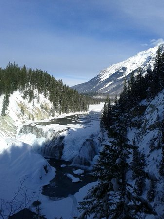 Beaverfoot Lodge:                   Wapta Falls