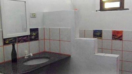 Pousada Tamarindo: Banheiro Suíte