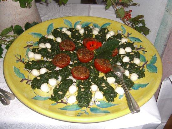 Art Hotel Riposo:                   buffet am 1. August
