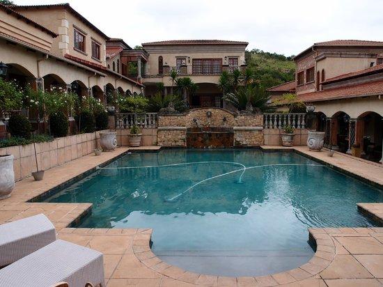 La Villa Vita Nelspruit:                   Hotel-Innengarten