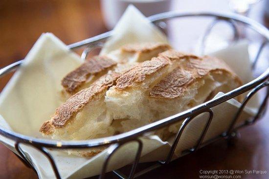 La Strada Ristorante Italiano:                   Bread