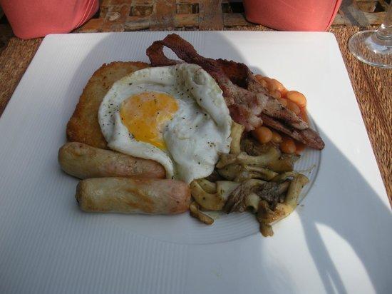 Elements Boutique Resort & Spa Hideaway:                                     english breakfast