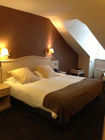 BEST WESTERN Le Duguesclin : chambre 632