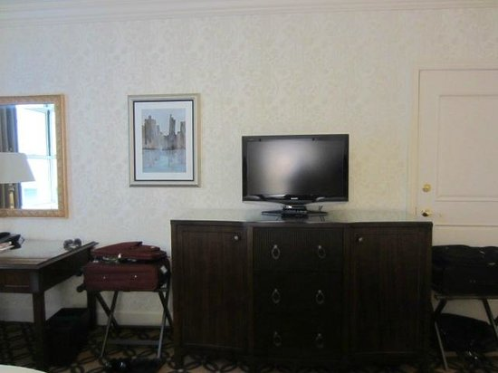 Omni San Francisco Hotel: TV center room