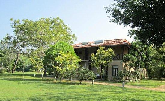 Portofino Resort Tangalle:                   Hotel & grounds