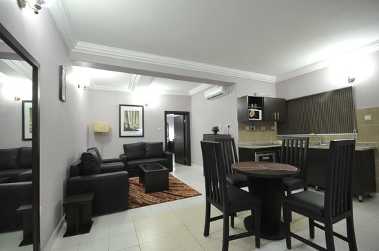 Sheer Luxury Apartments and Suites : Living Area