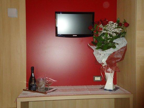Hotel San Carlo:                   Televison dans la chambre