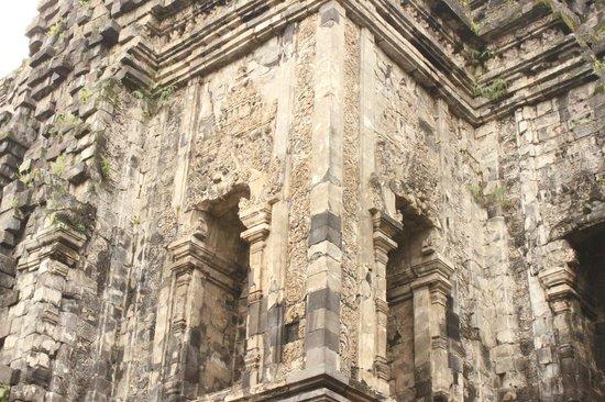 Kalasan Temple:                   still original facade