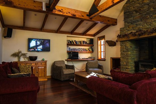 Wanaka Homestead Lodge and Cottages:                   Function room