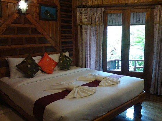 Phu Pha Ao Nang Resort and Spa:                   The lovely rustic room