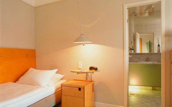 Hotel Cristall: Standard Zimmer
