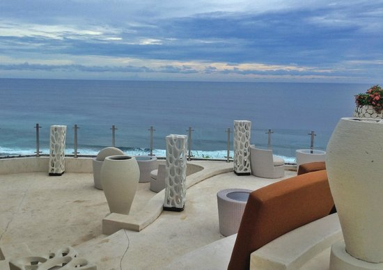 Banyan Tree Ungasan, Bali:                   Ju-Ma-Na bar; breath-taking views whilst enjoying a cuppa something