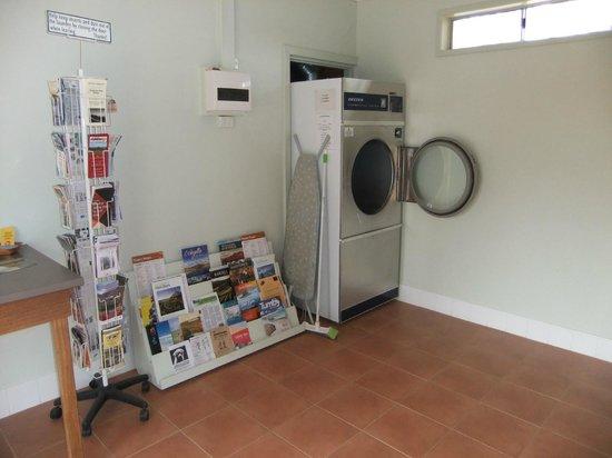 Quorn Caravan Park:                   Laundry