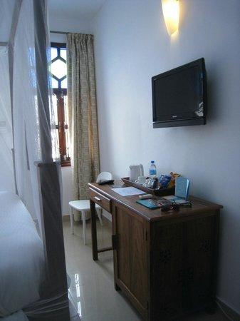 Maru Maru Hotel :                   chambre 305
