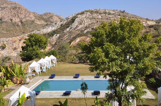 Aravali Silence Lakend Resorts & Adventures Pvt. Ltd.: Pool Side