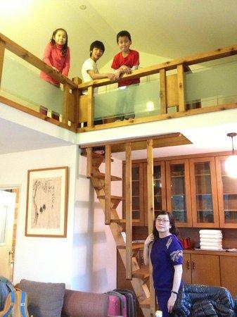 Taiwan Thumb-up B&B:                   loft