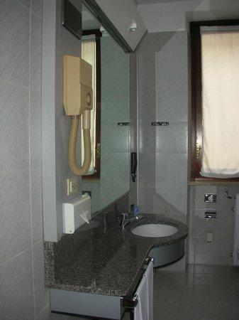 Concord Hotel:                   bagno
